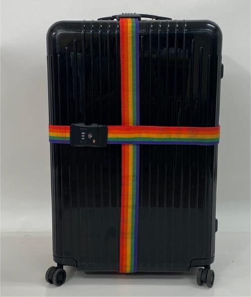 2本のスーツケースベルトを用いたクロス式の締め方