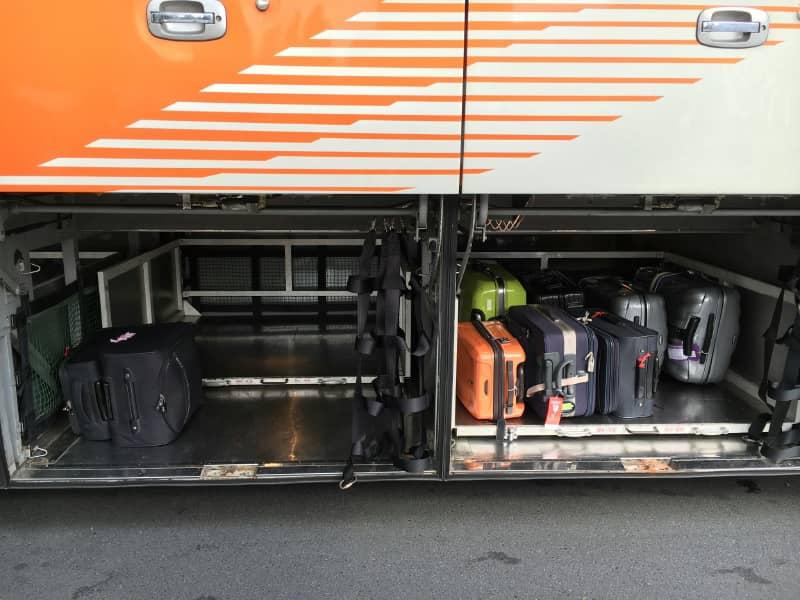 バスのトランク内