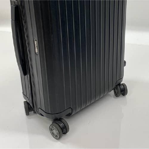 4輪キャスターのスーツケース