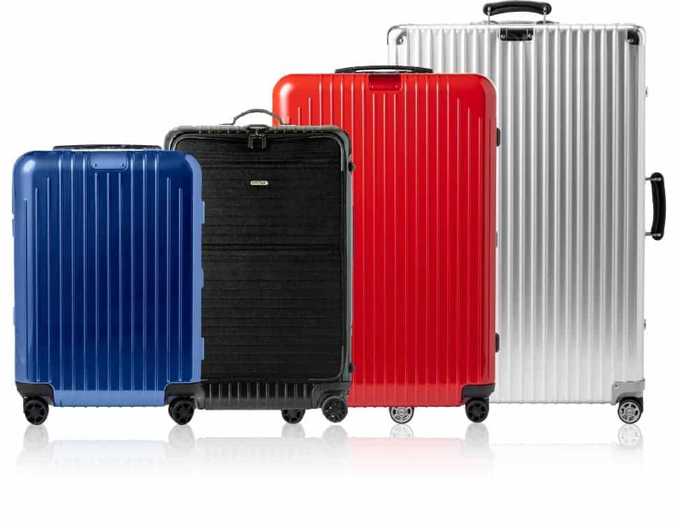 様々なサイズのリモワのスーツケース