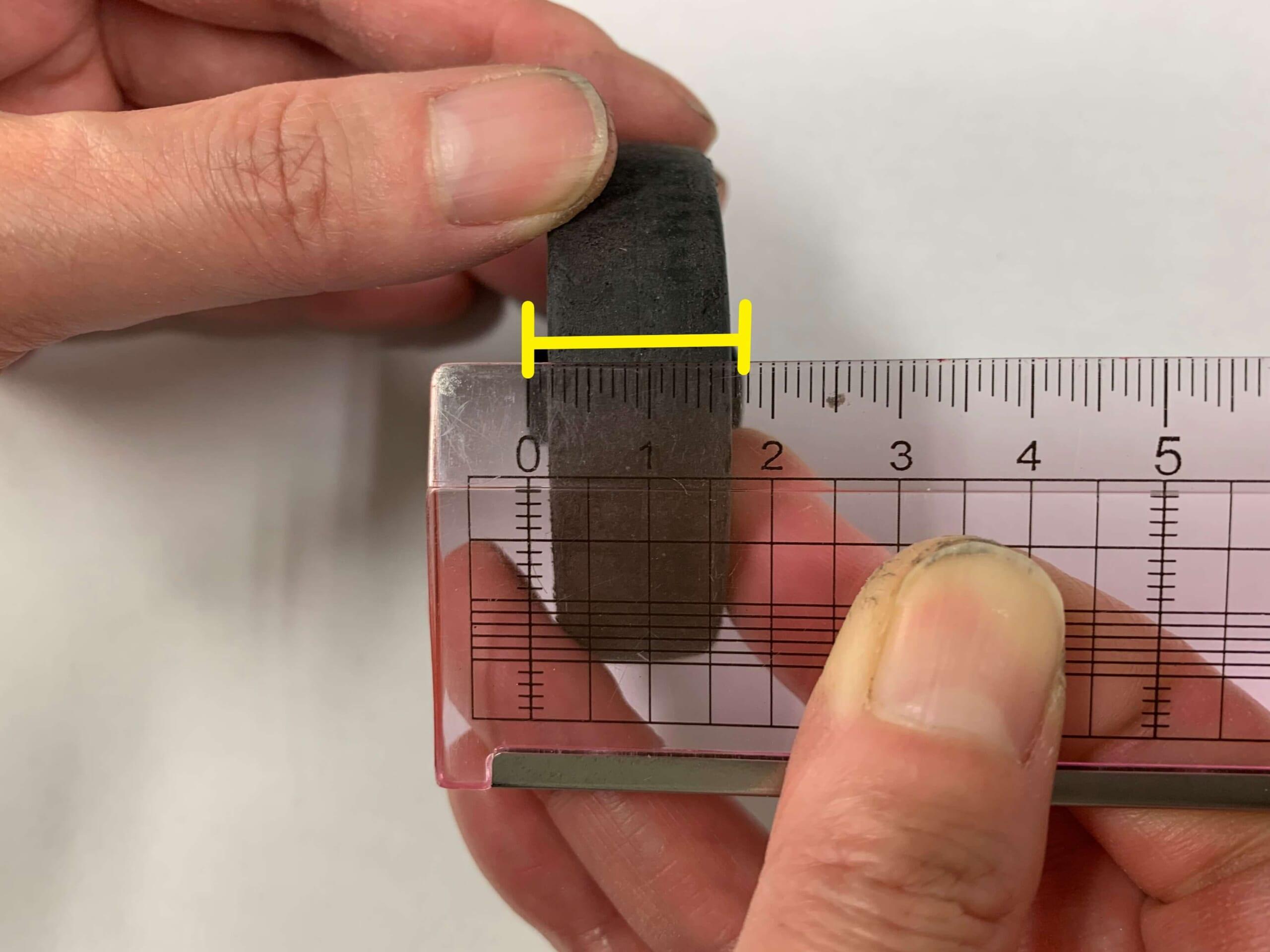 タイヤの幅(シャフトの凹凸含)の計測
