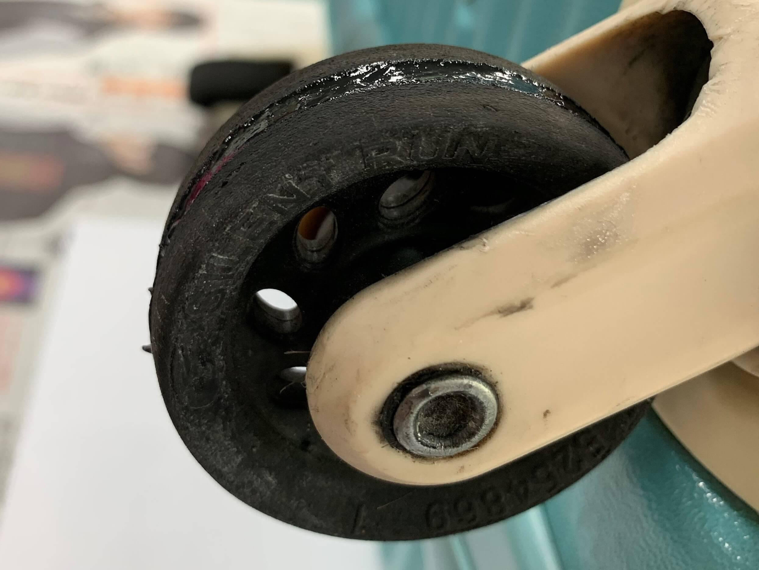 タイヤの溝修繕作業の注意点