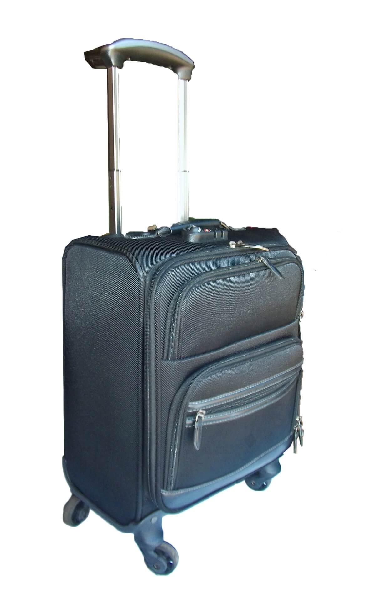 黒い布製スーツケース。布製スーツケース解体方法。