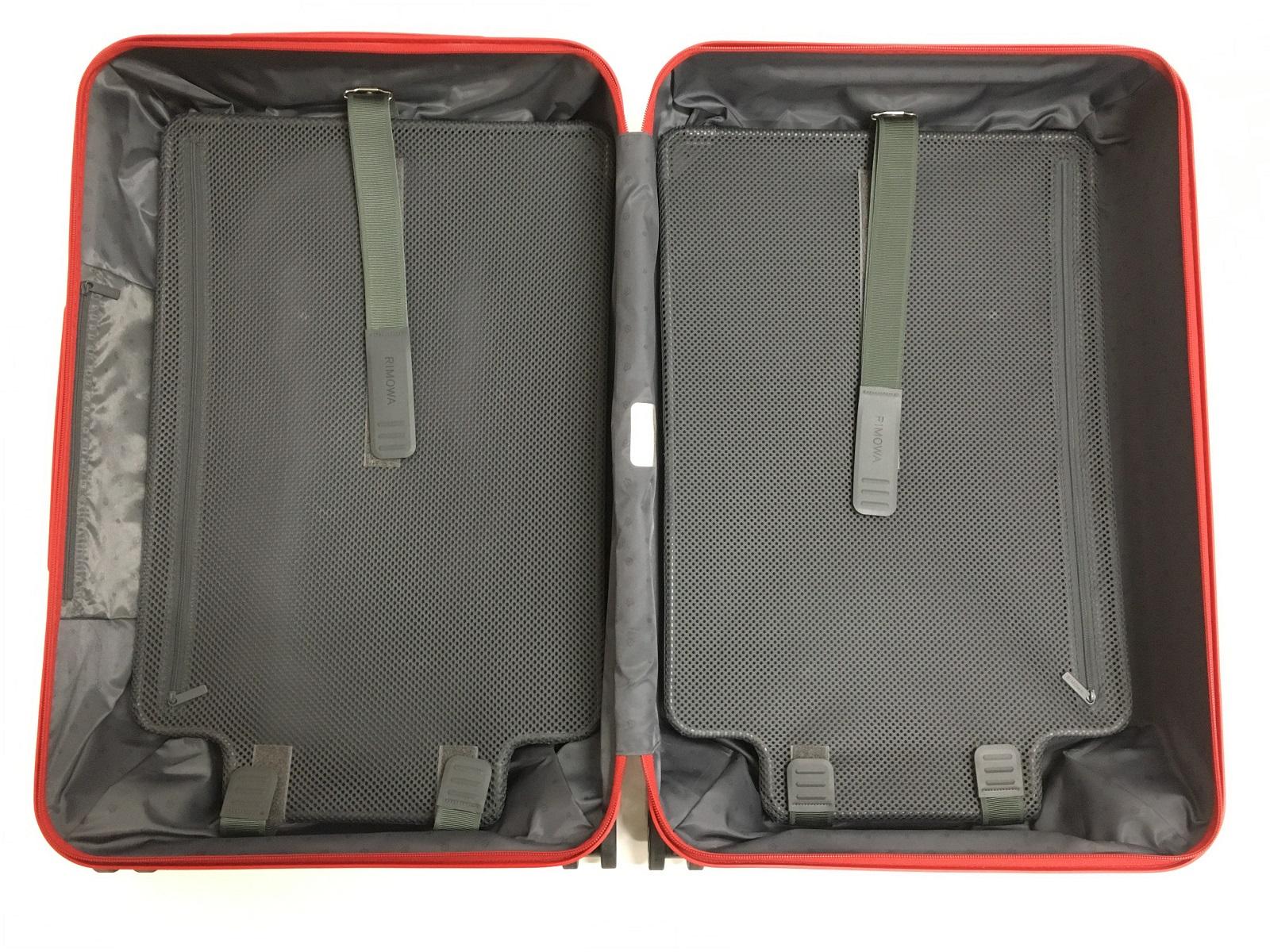 両面開き(ハードタイプ)のスーツケース