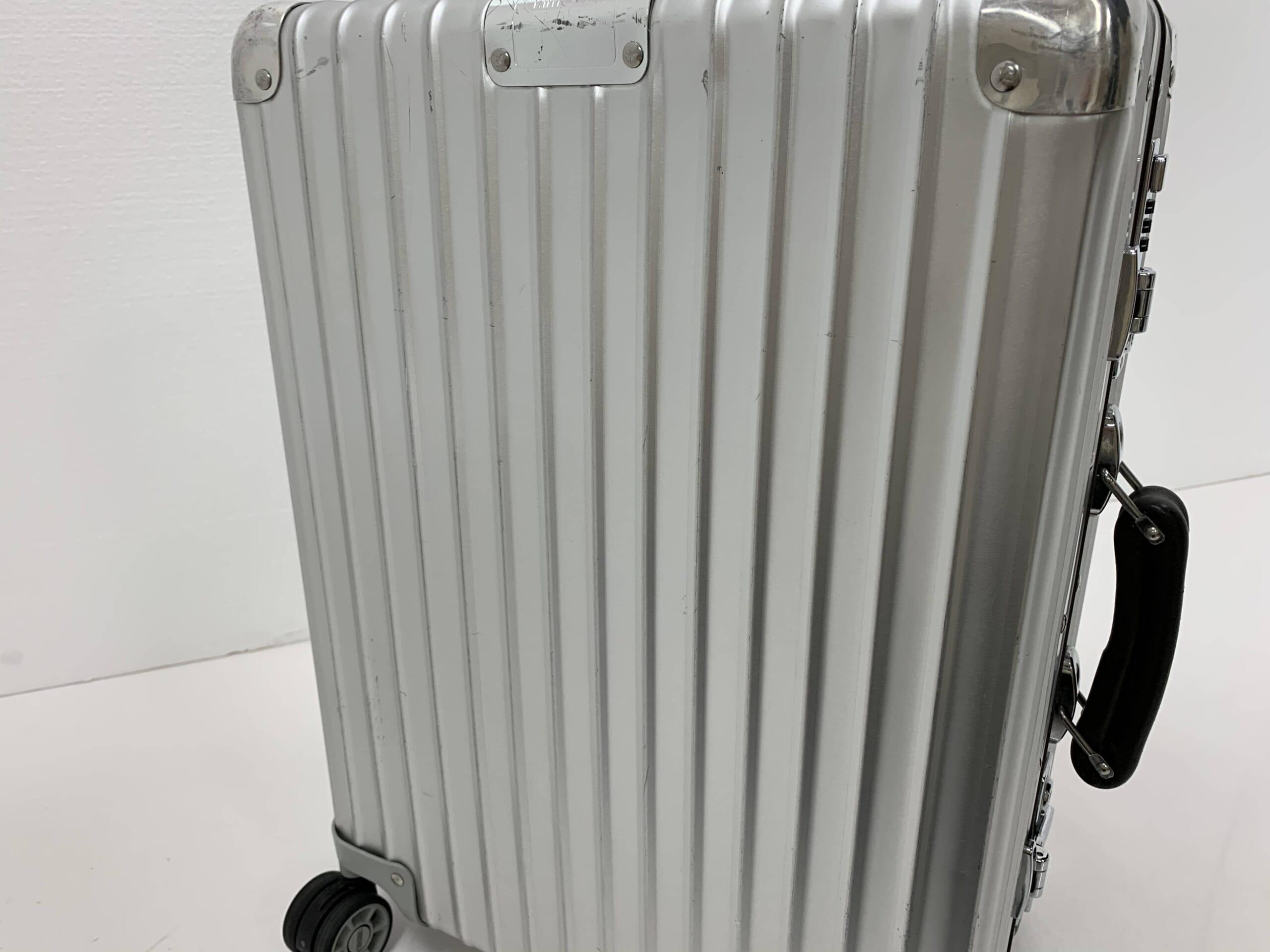 落下衝撃後の損傷の見当たらないスーツケース(ハードタイプ)