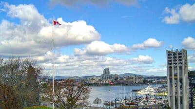 カナダの港の風景。複数の船が停泊