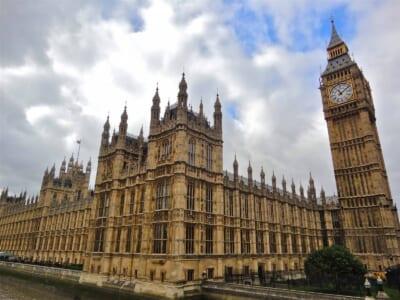 ロンドンのビックベン(時計台)