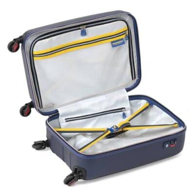 イノベーターのスーツケースの内装
